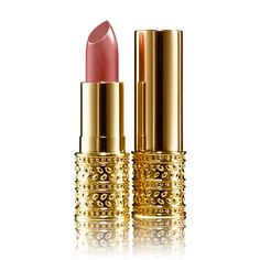 New product 'Giordani Gold Jewel Lipstick' added to Orinet independent Oriflame Consultants! - - - Indulge in a touch of luxury with this cashmere-smooth lipstick encased in a chic, jewellery-inspired metal pack, design… Plum Lipstick, Lipstick Case, Lipstick Colors, Giordani Gold Oriflame, Oriflame Beauty Products, Lip Hydration, Cerise Pink, Belleza Natural, Beauty Makeup