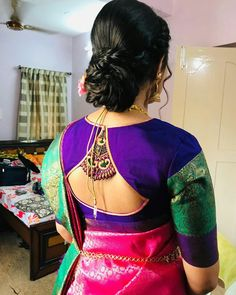 New Saree Blouse Designs, Blouse Designs High Neck, Simple Blouse Designs, Stylish Blouse Design, Bridal Blouse Designs, Black Blouse Designs, Designer Blouse Patterns, Collor, Blouse Neck