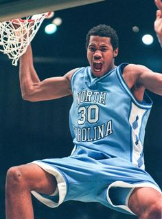 25 Mar Center Rasheed Wallace of the North Carolina Tarheels slam dunks the ball during a playoff game against the Kent Golden Flashes. North Carolina won the game Mandatory Credit: Andy Lyons /Allsport Basketball Legends, Football And Basketball, College Basketball, Basketball Players, Basketball Shoes, Basketball History, Basketball Birthday, Ncaa College, Dodgers