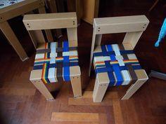 sillas materas con cintas de bolsos viejos