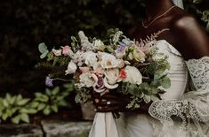 Today's backyard wedding inspiration illustrates how a familiar space can be gorgeously elevated with the right styling tips! Intimate Wedding Ceremony, Ethereal Wedding, Wedding Reception Tables, Fall Bouquets, Wedding Bouquets, Floral Wedding, Wedding Flowers, Country Garden Weddings, Wedding Guest List