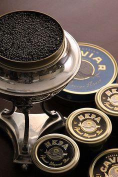 Russian Caviar, Caviar Dishes, Beluga Caviar, Peter The Great, Champagne Taste, Fish Farming, Appetizer Salads, Winter Drinks, Bling