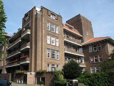 Zorgvliet. Architecten A. Alberts en A. Broese van Groenou 1923-1927, Den Haag.