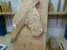 Cavallo in lavorazione ..legno di cipresso.