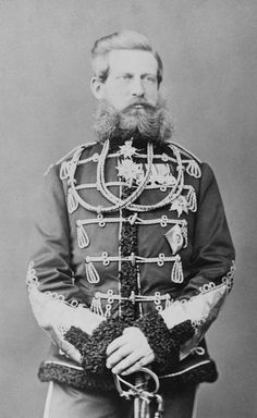 Frederick III, German Emperor - Alchetron, the free social encyclopedia German Royal Family, King Of Prussia, Military Dresses, Royal Families, Emperor, Beards, Royalty, Photographs, Germany