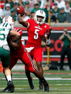 University of Louisville quarterback Teddy Bridgewater throws against Ohio University during the first half of play at Papa John's Stadium in Louisville, Kentucky. University Of Louisville, Louisville Kentucky, Football Players, Football Helmets, Louisville Cardinals Basketball, Teddy Bridgewater, Johnny Unitas, Sport Icon, Russell Athletic