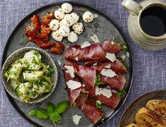 Tapas Buffet, Carbonara Recept, Real Food Recipes, Cooking Recipes, Spaghetti Bolognese, Frisk, Yummy Eats, Tandoori Chicken, Granola