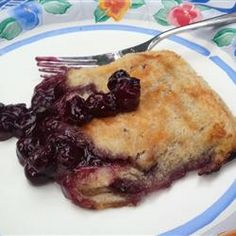 Hobo Pie - White bread with a sweet or savory filling make a campfire classic! Camping Meals, Camping Recipes, Backpacking Food, Ultralight Backpacking, Camping Stuff, Camping Tips, Tent Camping, Glamping, Hobo Pies