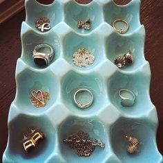 Utopia LR: DIY: Porta jóias/bijuterias com caixinha de ovo.