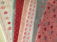 Quilt fabric bundle set of 7 cotton fabrics Hearts by FitaDeVies, €13.50