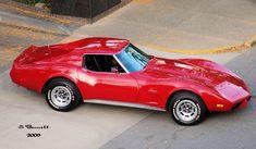 1977 Chevrolet Corvette Love that combination of body and tail cap. 1977 Corvette, Chevrolet Corvette Stingray, My Dream Car, Dream Cars, Sexy Cars, Hot Cars, Corvette Summer, Old School Muscle Cars, Little Red Corvette