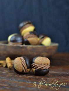 Baci di dama alla cannella e cioccolato , una nuova sfida al gusto di cioccolato.