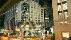 LOVE! The Louis Vuitton Fifth Avenue Maison dressed for the Yayoi Kusama x Louis Vuitton collaboration. © LOUIS VUITTON