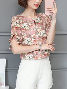 Specifications Product Name: Round Neck Ruffle Trim Printed Blouse Material: Chiffon Pattern Type: Printed Occasion: Date Collar&neckline: Round Neck Sleeve: Short Sleeve Embellishment: Ruffle Trim Season: Summer Size chart as a reference: Waist Shoulder Length Bust m Inchcm 3486 1436 2358 3590 l Inchcm 3590 1537 2359 3794 xl Inchcm 3794 1538 2460 3998 2xl Inchcm 3998 1539 2461 40102 3xl Inchcm 40102 1640 2462 42106 All dimensions are measured manually with a deviation of 2 to 4cm. More…