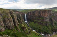 14 Most Beautiful Waterfalls around the World - HitFull.com