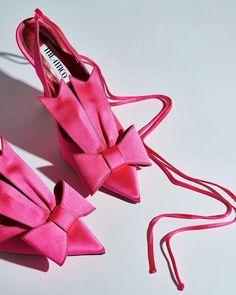 The Attico Venus Bow satin pumps Hot Pink Shoes, Pink Boots, Fuschia Shoes, Couleur Fuchsia, Magenta, Pink Fashion, Fashion Shoes, Fashion Outfits, Aesthetic Shoes