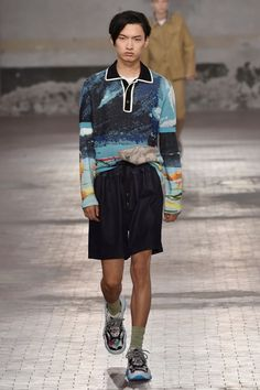 See all the looks from No. 21 menswear spring/summer 2018 collection.