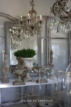 Shabby Chic Home Decor French Interior, French Decor, French Country Decorating, French Furniture, Shabby Chic Furniture, Shabby Chic Decor, Gold Furniture, Furniture Design, Shabby Style