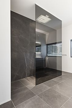 Natuursteen Beltrami Natural Stone Beltrami - Lashotor Grey Skintouch - Bathroom Badkamer - Kitchen Keuken Architect Architectenbureau Bart Coenen - Maatwerk door Louis Culot keukenwerkbladen Puurs Bevloering door C F Vloeren Meldert Fotografie Jo Pauwels Bathroom Interior Design, Interior Livingroom, Bathroom Inspiration, Small Bathroom, Bathroom Grey, Bathroom Ideas, Modern Bathroom Tile, Bathroom Bath, Master Bathrooms