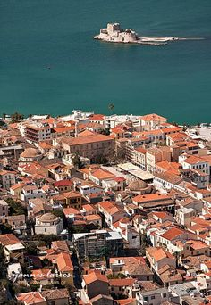 Nafplio: its Venetian and Neoclassical Old Town is one of the prettiest in Southern Greece (photo by Yannis Larios)