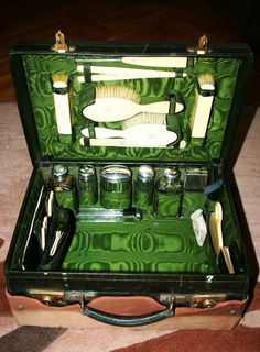 UNIQUE ANTIQUE VANITY SET IN TRAVEL CASE STERLING SILVER OX BONE 1926