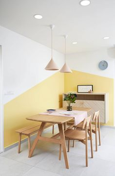 Do you need new decor for your room but your budget is low? Try to paint your walls creatively! Think about boring white walls as a blank canvas that is waiting for you and your color! Rare and unique wall color ideas are often based on simple shapes and Creative Wall Painting, Room Wall Painting, Office Interiors, White Walls, Wall Colors, Bedroom Wall, Room Inspiration, Sweet Home, Room Decor