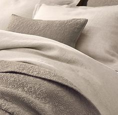 Loving this for the bedding and maybe some brown houndstooth fabric for accents and a touch of blue in the room!