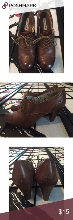 American Eagle Brown Oxford Heels Size 12 Like new condition! American Eagle Outfitters Shoes Heels