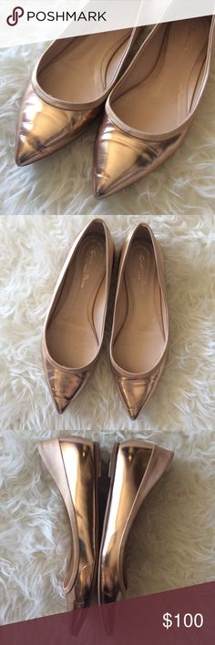 Gianvito Rossi Metallic Pointed Toe Flats Good condition Gianvito Rossi Rose Gold Metallic Pointed Toe Flats. Size 38. Leather trimmed in champagne colored satin. Minimal scuffing, no discoloration. Very reflective. No trades, offers welcome. Gianvito Rossi Shoes Flats & Loafers
