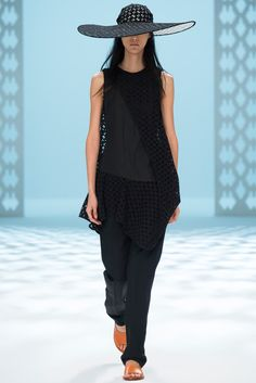 Chalayan Spring 2015 Ready-to-Wear - Collection - Gallery - Look 23 - Style.com