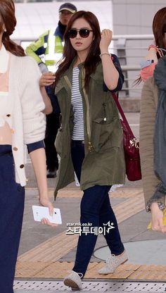 Yuri ; cool airport fashion