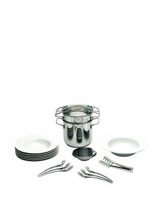 """www.myhabit.com  Set includes: 6 (10 3/4"""") pasta plates, 12 1/4"""" salad bowl, 5 1/2"""" sauce bowl, 6"""" grater, 6 (8 1/4"""") pasta forks, 10 3/4"""" pasta tong, 8"""" pasta pot with steamer and lid. Porcelain plates have a transparant glaze and the 18/10 stainless steel pasta pot has a mirror finish inside and out. Steamer has a pouring spout for easy and safe pouring, and also has inner capacity etching marks for measuring.Dishwasher safe, oven safe, microwave safeLimited Lifetime warranty"""