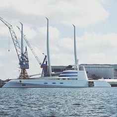 "⏺@patrick_paproth_photography ⏺Die Motor Yacht ""A"" und Sailing Yacht ""A"" in Kiel. Jemand Lust auf 'ne Spritztour? ⚓  #igerskiel #yacht #motoryacht #sailingyacht #a #expensive #luxurious #luxurylifestyle #balticsea #kiel #russia #russian #beautiful #money #love #water #white #harbour #billionaire #igersgermany #gold #diamonds #SchleswigHolstein"