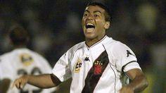 Romario gran goleador del futbol brasileño,  tambien envuelto con alcohol y mujeres.