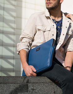 funda-portatil-básico-azul