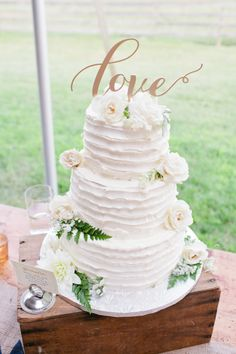 Rustic iced cake: http://www.stylemepretty.com/massachusetts-weddings/hancock/2015/05/22/rustic-whimsical-berkshires-farm-wedding/ | Photography: Isabelle Selby - http://isabelleselbyphotography.com/