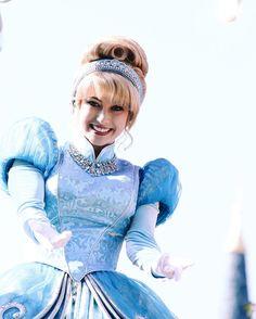Dream Along With. Disneyland Princess, Disney Princess Cinderella, Tokyo Disneyland, Disney Cast, Disney Magic, Walt Disney, Disney Prom, Disney Love, Movie Costumes