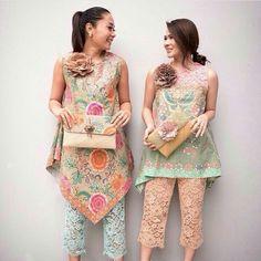 Batik and lace in pastel colour Batik Kebaya, Kebaya Dress, Batik Fashion, Ethnic Fashion, Womens Fashion, Blouse Batik, Batik Dress, Batik Pattern, Party Fashion