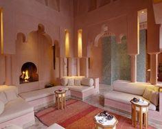 idées déco salon en style marocain contemporain avec deux tables d'octagon