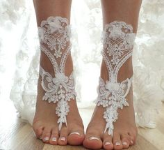 FREE SHIP 3D flowers white beach wedding barefoot sandals  lace sandals, , bridal barefoot, flexible wrist lace sandals