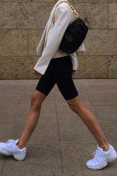 Chic Ways to Wear the Athleisure Trend Look Fashion, Korean Fashion, Fashion Outfits, Womens Fashion, 80s Fashion, Fashion Ideas, Fashion Tips, Athleisure Trend, Athleisure Outfits