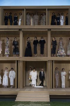 Chanel Spring 2016 Couture Fashion Show