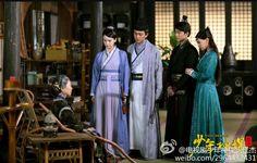 """""""Qi yue ban, Kai gui men er, Gui men kai le, Chu gui guai... Mai dou Fu, Dou fu lan, Tan Ji Dan, Ji dan ji dan ce ce, Li mian zuo ge ge ge, Ge ge chu  lai shang fen, Li mian zuo ge nai nai, Nai nai chu lai shao xiang, Li bian er zuo ge gu niang, Gu niang chu lai dian deng, Diao le nao dai, hui bu lai."""