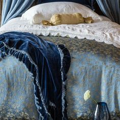 Bella Notte Linens Colette Duvet Cover Ships Free, Gorgeous Fit for a Queen luxury machine washable bedding. I never want to get out of bed!