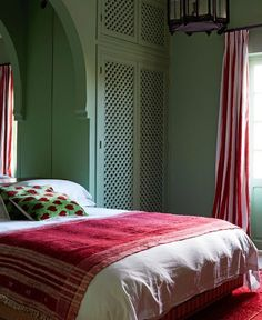 Jacquetta Wheeler's Moroccan Villa Moroccan Room, Moroccan Decor, Modern Bedroom, Bedroom Decor, Moroccan Design, Pink Walls, Celebrity Houses, Architectural Digest, Decorating Blogs