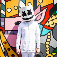 Marshmello x Tyga x Chris Brown Team Up For New Music Video Light It Up Dj Music, Good Music, Music Genre, Dance Music, Marshmallows, Dj Marshmello, Marshmello Wallpapers, Alan Walker, Music Wallpaper