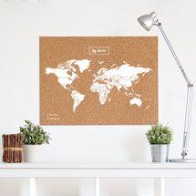 Blanc-worldmap-de-corcho-con-chinchetas-para-senalar-paises-color-blanco