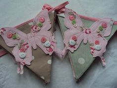 Beautiful Fun Bunting, perfect for a girls bedroom in the following colourways: beige polkadot and beige rosebud.  Pink lettering for…