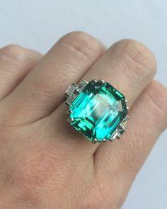 18.96 carat tourmaline to be sold on June 9 in New York #christiesjewels #christies #jewels #ring #tourmaline #NewYork #9JUN16…