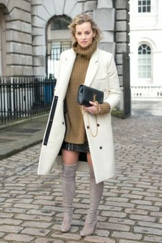 Learn How to Wear Pencil Skirts and Staying in Fashion